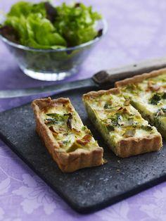 Broccoli-porretærte med mandler