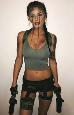 Lara Croft. Más #halloweencostumesadult