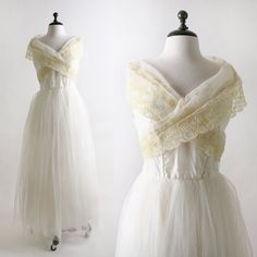 vintage 50's tulle lace wedding dress $168