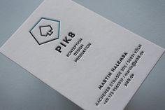 """Letterpress Visitenkarten: Falls ihr Euch unsicher bei der Papierwahl seid: Diese Visitenkarte für PIK8 wurden auf unserem Alleskönner-Papier """"100% Cotton weiß 600g/qm"""" gedruckt. Es ist bestens für den Letterpress-Druck geeignet und besticht durch seine besondere Naturpapier-Oberfläche.  Hier geht es zu unseren Visitenkarten ► http://www.letterpresso.com/visitenkarte-whitepastel-upload"""