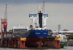 VEERSEBORG at Mützelfeldt Dockyard in Cuxhaven | Flickr: partage de photos!