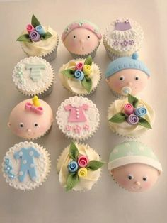 Cupcakes decorados con pastillaje