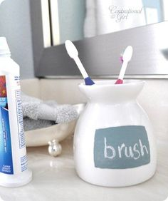 DIY chalkboard toothbrush holder and how to make chalkboard paint. Colored Chalkboard Paint, Homemade Chalkboard Paint, Make A Chalkboard, Chalk Paint, Chalkboard Ideas, Chalk It Up, Chalk Board, Do It Yourself Home, Diy Projects To Try