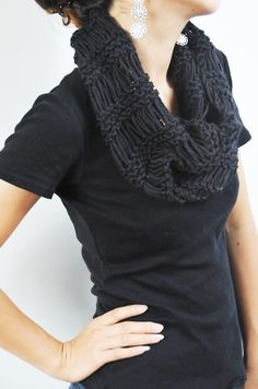 hand knit cowl - drop stitches with straight knit stitch