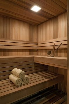 Sauna room ideas Can't wait for my girls to come over and sit in the sauna! Girl spa time at mi Casa! Sauna Steam Room, Sauna Room, Basement Sauna, Sauna Hammam, Building A Sauna, Sauna Shower, Sauna House, Traditional Saunas, Kitchens