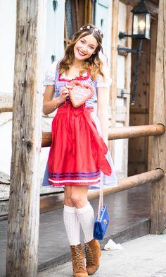 http://www.thefashionrose.com/2015/09/my-oktoberfest-outfit.html The Fashion Rose. My dirndl. Oktoberfest.