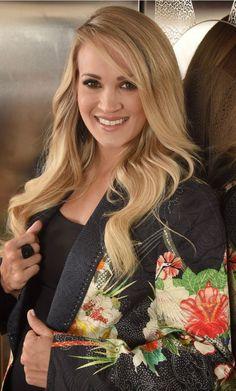 900 Carrie Underwood Ideas In 2021 Carrie Underwood Underwood Carrie Underwood Style