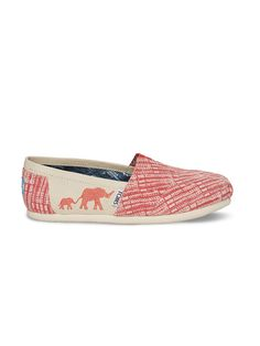 These vegan #TOMSAnimalInitiative Classics represent our latest partnership with the Clinton Foundation and Wildlife Conservation Society. They help support African elephants that are being killed by poachers for their ivory tusks. These shoes feature an embroidered elephant as a reminder of the animals we're fighting to save.