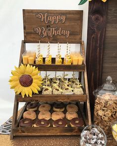 ☕️ Dessert table decor by ☕️ Favor boxes by ☕️ Welcome sign by ☕️… Sunflower Birthday Parties, Sunflower Party, Sunflower Cakes, Birthday Party Desserts, Sunflower Baby Showers, Birthday Cakes, Sweet Table Decorations, Sunflower Wedding Decorations, Grad Party Decorations