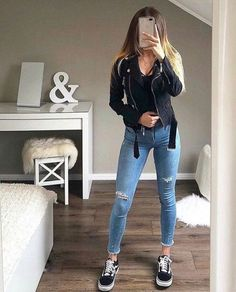 Casual outfit for April - ChicLadies. Casual Outfits For Teens, Teenage Outfits, Basic Outfits, Edgy Outfits, Uni Outfits, Winter Fashion Outfits, Look Fashion, Fashion 2018, Mode Bcbg