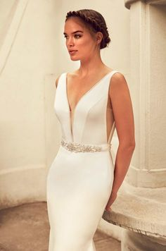 """Ooh la la! Paloma Blanca's Spring 2018 Collection is making our day with stunning new designs. These gowns with luxurious lace, sweetheart necklines and graceful silhouettes have completely caught our attention. Paloma Blanca wedding dresses are """"designed to appeal to any bride looking to achieve a classic, timeless look on her wedding."""" We can feel …"""