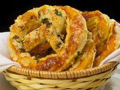 Covrigi cu mozzarella și usturoi – rapid, aromat și delicios!