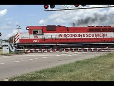▶ High Iron Throwback #6: Another Short Reedsburg Sub Local With WSOR 2054 and Barrier Gates 7/5/2007 - YouTube