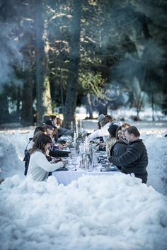 A recap of Wintertide, our latest Secret Supper, with the table surrounded by a field of snow with campfires along side for warmth and glow. Pop Up Dinner, Outdoor Dinner Parties, Winter Love, Winter Ideas, Outdoor Fun, Outdoor Crafts, Winter Garden, Scenery, Snow