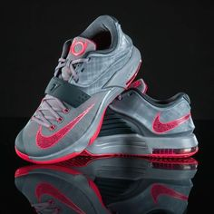 competitive price b78fd 8504e Storm the court in t Storm the court in the latest Nike KD VII  basketball