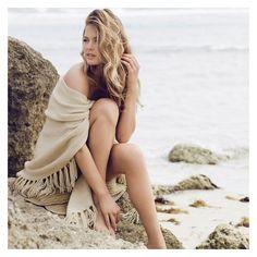 Doutzen Kroes: Repeat Cashmere A/W Campaign Beach Poses, Beach Shoot, Strand Shoot, Boudoir Photography, Fashion Photography, Woman Photography, Glamour Photography, Family Photography, Modeling Fotografie