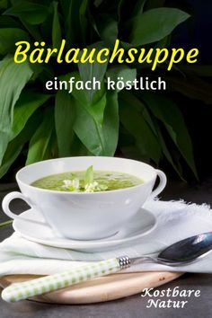 Quick homemade leek soup- Schnelle Bärlauchsuppe zum Selbermachen Wild garlic soup protects you from colds in spring, provides you with many vital substances and tastes really delicious! Garlic Soup, Wild Garlic, Healthy Eating Habits, Healthy Drinks, Healthy Recipes, 12 Recipe, Leek Soup, Vegan Soup, Greens Recipe