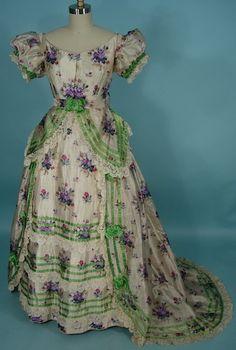 c. 1869 Warp Print Silk 3-piece Trained Ballgown