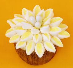 """""""Mum"""" Flower Cupcakes 