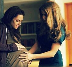 Breaking Dawn. Bella and Rosalie
