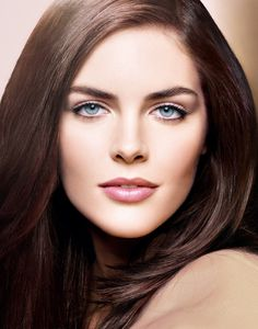 Hilary Hollis Rhoda is an American model. She is perhaps best known for her work with the brand Estée Lauder and her 2009, 2010, and 2011 appearances in the Sports Illustrated Swimsuit Issue. Wikipedia