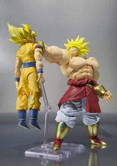 Visit Broly here http://luckyclever.com/bandai-tamashii-nations-sh-figuarts-broly-dragon-ball-z/