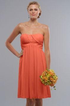 vestido curto para madrinhas de casamento. Ideais para cerimônia durante o dia -- http://www.vestidosonline.com.br/modelos-de-vestidos/vestidos-madrinhas