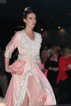 Beautiful morrocan haute couture! Love it, want to have it ❤❤❤!