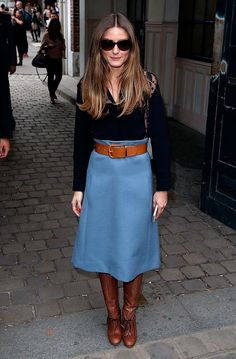 Olivia Palermo covered up in her blue midi skirt, which was perfectly complemented by her snakeskin boots. Style Olivia Palermo, Olivia Palermo Lookbook, 30 Outfits, Fall Outfits, Outfit Winter, Outfit Summer, Skirt Outfits, 70s Fashion, Winter Fashion
