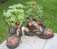 Schuh-Blumentopf – Gartendeko selber machen