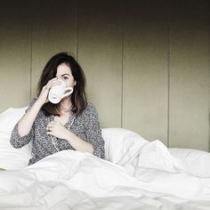 Would I love to have someone bring me a cup of tea in bed? Yes, thank you!
