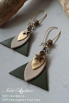 Khaki / gold leather earrings: earrings by nude-creations Source by nudecreations Diy Leather Earrings, Diy Earrings, Leather Jewelry, Gold Leather, Earring Crafts, Jewelry Crafts, Fabric Jewelry, Beaded Jewelry, Jewellery