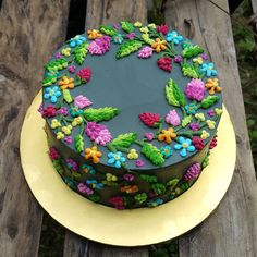 inspired by the colorful hungarian folk art designs inspiriert Gorgeous Cakes, Pretty Cakes, Cute Cakes, Yummy Cakes, Amazing Cakes, Birthday Cake Decorating, Cake Decorating Tips, Cookie Decorating, Floral Cake