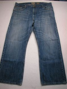 Men's Levis 557 relaxed boot cut jeans tag 42x30 ( Measures 42x30 )  #Levis #BootCut