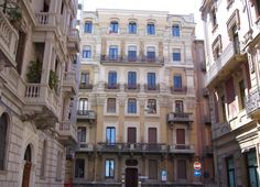 Neoclassical buildings in downtown Bari, Italy. ©Photo by: Valentina Cirasola
