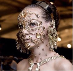 ELLE loves.. this statement beauty look from the Spring Summer 2016 Givenchy show.   Embellished faces by iconic make-up artist Pat McGrath created a dramatic statement and certainly raised the bar for Givenchy - this is their first show in New York since their move to Paris and was the first big designer show to kick off this fashion season!