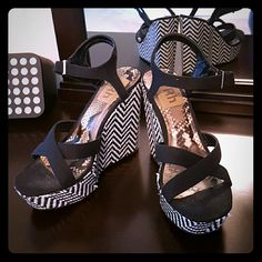 Black and White Wedges Beautiful gently used wedges! fRh Shoes Wedges