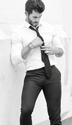 Casual Suit Look, Tight Suit, Costume Sexy, Scruffy Men, Hunks Men, Stylish Mens Outfits, Business Outfit, Hommes Sexy, Men In Uniform