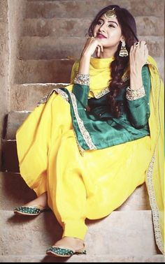 Designer Punjabi Suits, Indian Designer Wear, Ethnic Outfits, Indian Outfits, Indian Clothes, Trendy Outfits, Kaur B Suits, Punjabi Suit Simple, Punjabi Suit Boutique