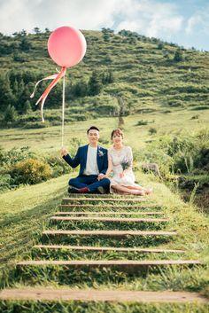 wedding photography tips Posts Wedding Couple Photos, Wedding Couples, Wedding Bands, Prenuptial Photoshoot, Wedding Photography With Kids, Quirky Wedding, Diy Wedding Projects, Wedding Shoot, Wedding Events