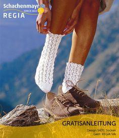 Ganz traditionell sind diese Socken aus Schachenmayr #Regia Silk designed. Die hübschen Socken lassen sich ideal zu Trachten und traditionellen Kleidern tragen.