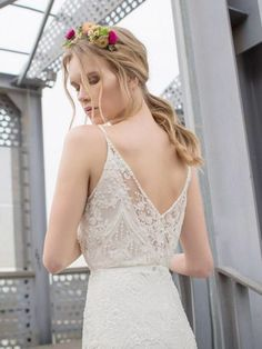 Bohemain style trouwjurk van kant met prachtige V rug
