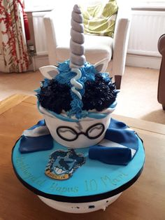 22nd Birthday, Unicorn Birthday, Birthday Parties, Birthday Cake, Harry Potter Cookbook, Harry Potter Cake, Ravenclaw, Anniversaire Harry Potter, Delicious Deserts