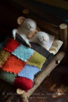 Sweet Tiny Mice in Love  Im so in love that I was inspired to create this beautiful and tender young couple in love!  This listing is for the bed with multicolored blanket This is a sweet set (includes the bed, bed clothes, and the 2 mice, Bed: The bed has a mattress, one pillow, sheets, a warm knitted blanket for winter. Measures: Length: 10cm / 4  width: 6.5 cm / 2  height: 7cm / 2.8    ♥♥ This set is also perfect for your lifes love specially in VALENTINES or Wedding friends...