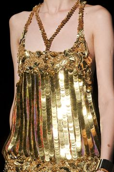 Roberto Cavalli Spring 2012 / Inspiration or Gold Fashion, Fashion Details, High Fashion, Womens Fashion, Couture Details, Fashion Beauty, Roberto Cavalli, Alexander Mcqueen, Shades Of Gold
