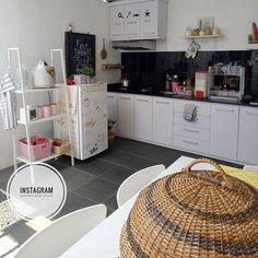 Belum ada yang berubah dari area ini Laundry Room, Sweet Home, Home And Garden, Decor Ideas, Beach, Kitchen, House, Home Decor, Laundry