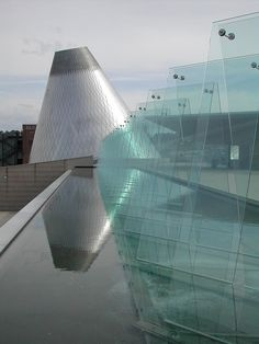 The Museum of Glass is a 75,000-square-foot art museum in Tacoma, Washington dedicated to the medium of glass Architect: Arthur Erickson