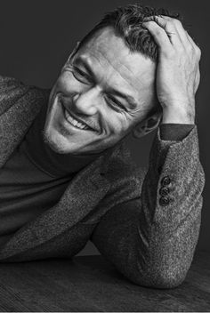 Promoting his latest movie Dracula Untold, actor Luke Evans appears in a new photo shoot for WWD. Donning fall styles from labels such as Valentino and Mulberry… Gaston Beauty And The Beast, Dracula Untold, The Fashionisto, How To Pose, Cosplay, Gorgeous Men, Beautiful People, Martial, Sexy Men