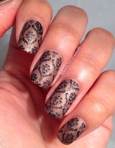 Valiantly Varnished: Damask Print Stamping with MoYou Fashionista Plate 07