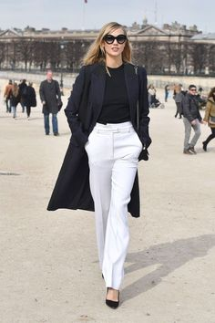 PARIS, FRANCE - MARCH 07: Karlie Kloss arrives at Elie Saab Fashion Show during Paris Fashion Week Fall Winter 2015/2016 on March 7, 2015 in Paris, France. (Photo by Jacopo Raule/GC Images)